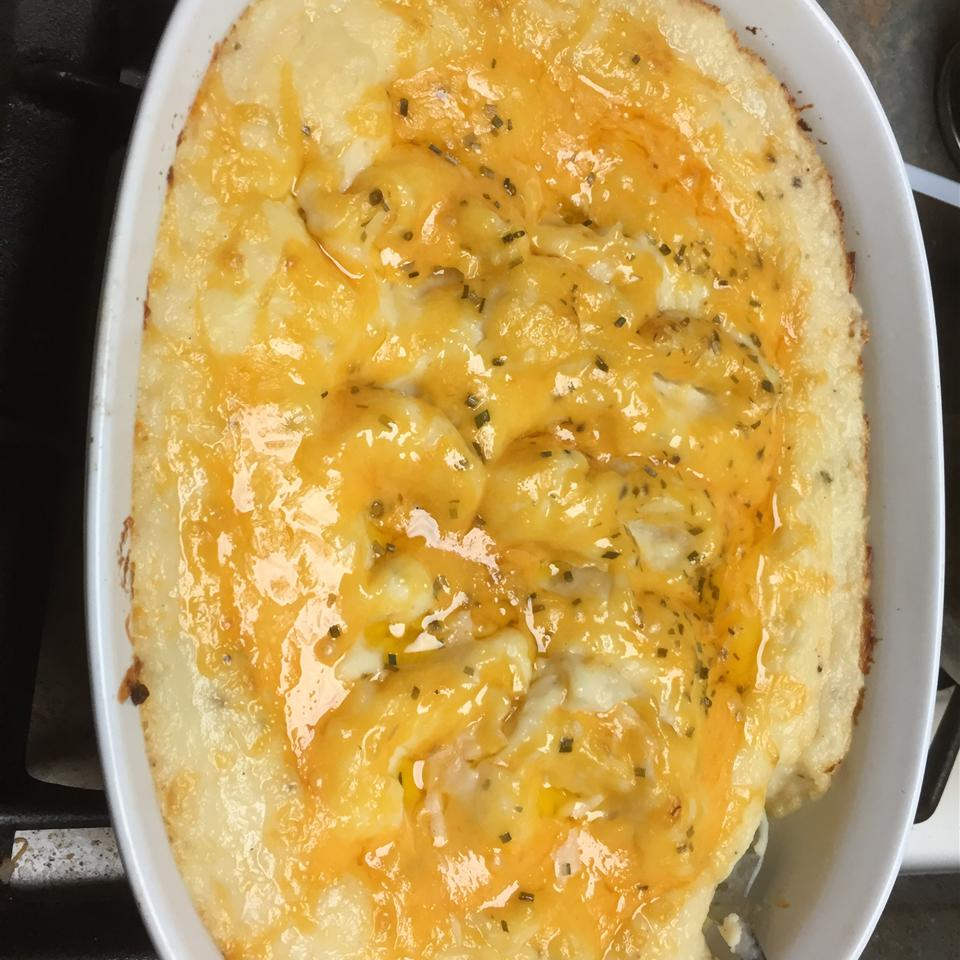 Amazing Twice-Baked Mashed Potato Casserole
