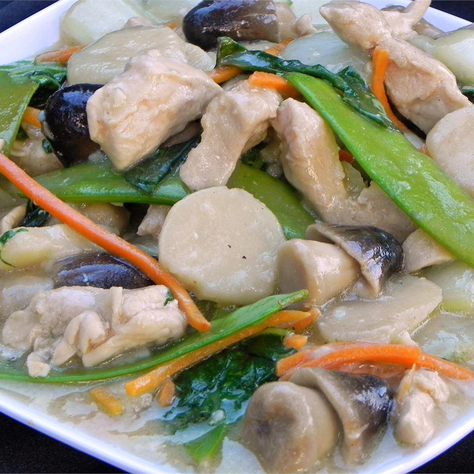 Moo Goo Gai Pan II Bao Le