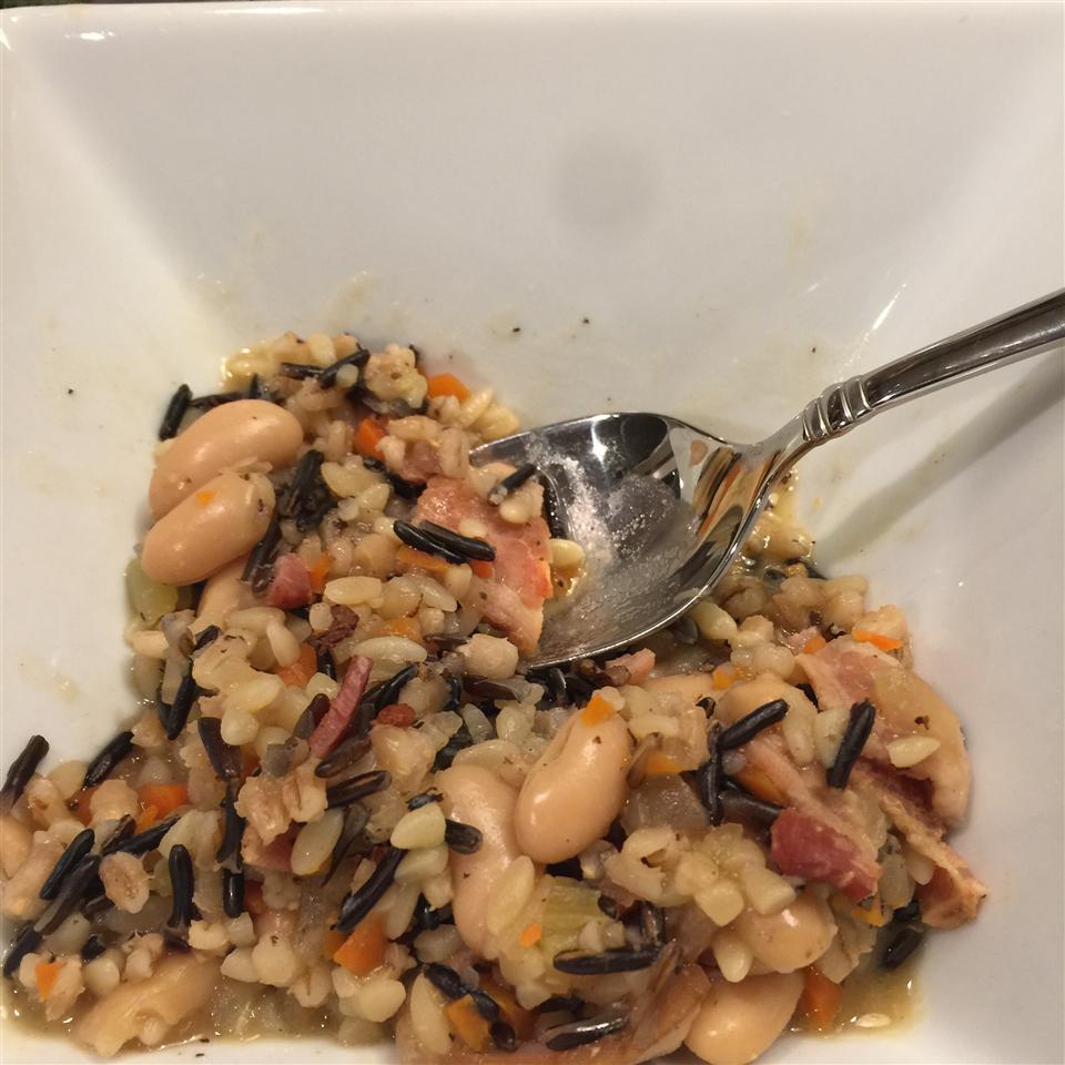 Zuppa di Orzo e Fagioli (Bean and Barley Soup)