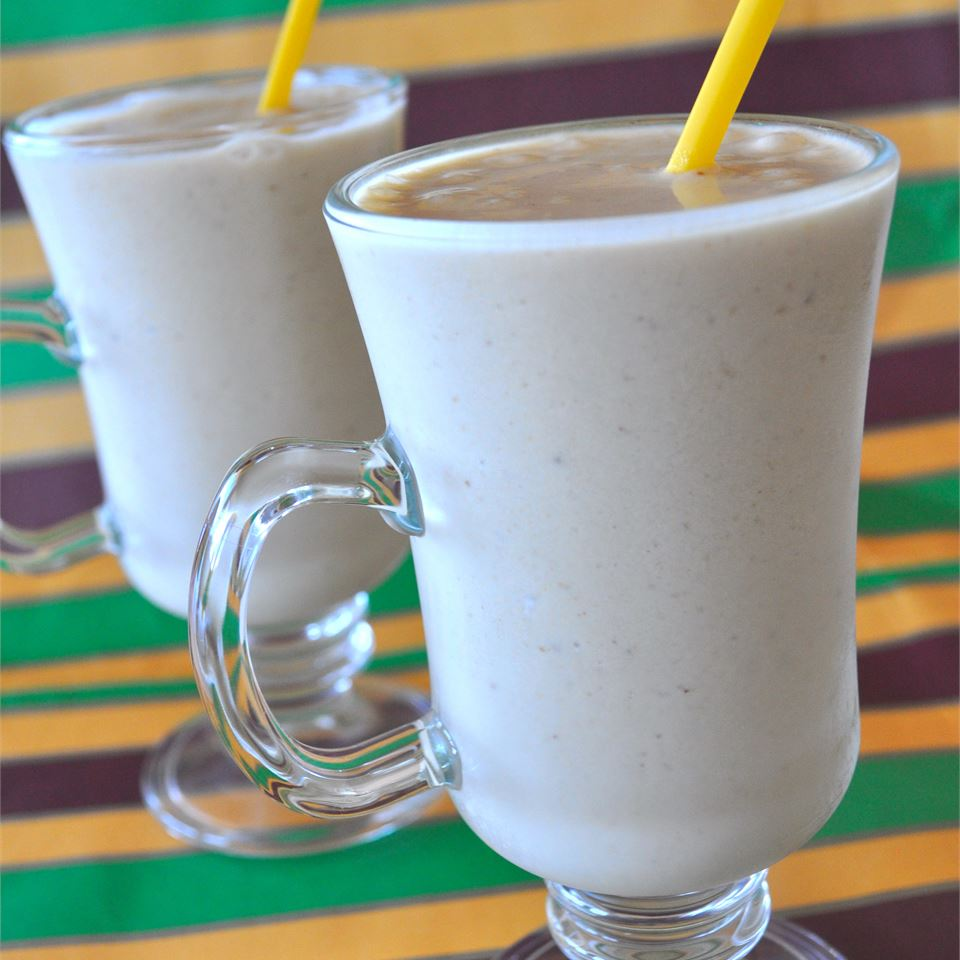 Peanut Butter and Banana Smoothie Diane