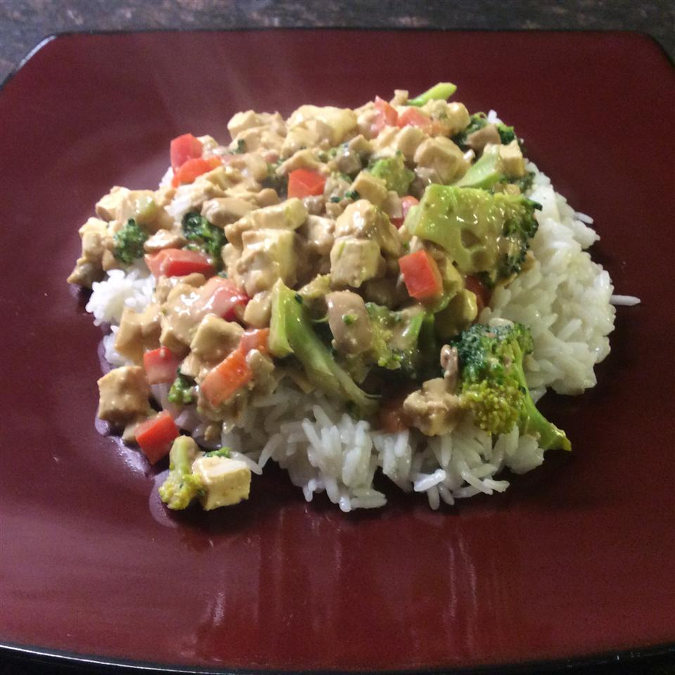 Tofu and Veggies in Peanut Sauce Liz Breisch