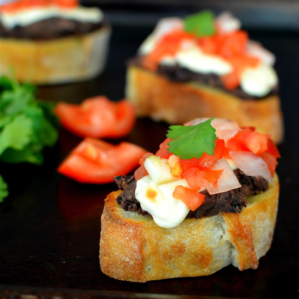 Mini Molletes de Frijoles (Mexican Bruschetta with Beans) 1-800-FLOWERS