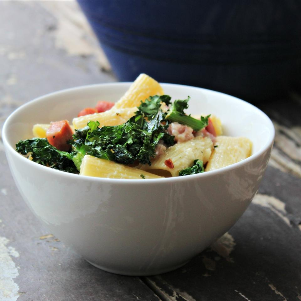 Smoky Penne and Cheese with Ham and Kale