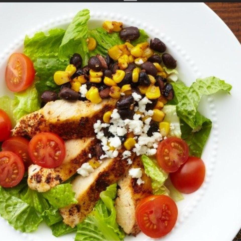 Wondrous Bbq Chicken Chopped Salad Interior Design Ideas Skatsoteloinfo
