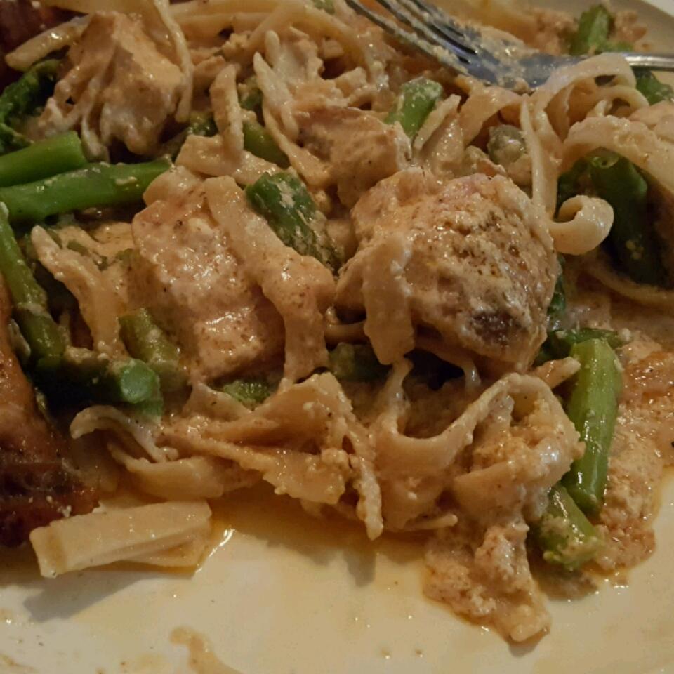 Chicken and Asparagus Fettuccine STEPHNDON