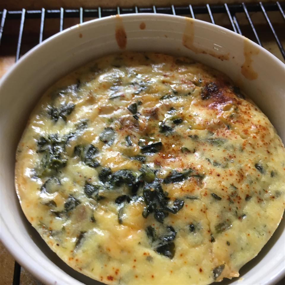 Simple Crustless Spinach and Mushroom Quiche