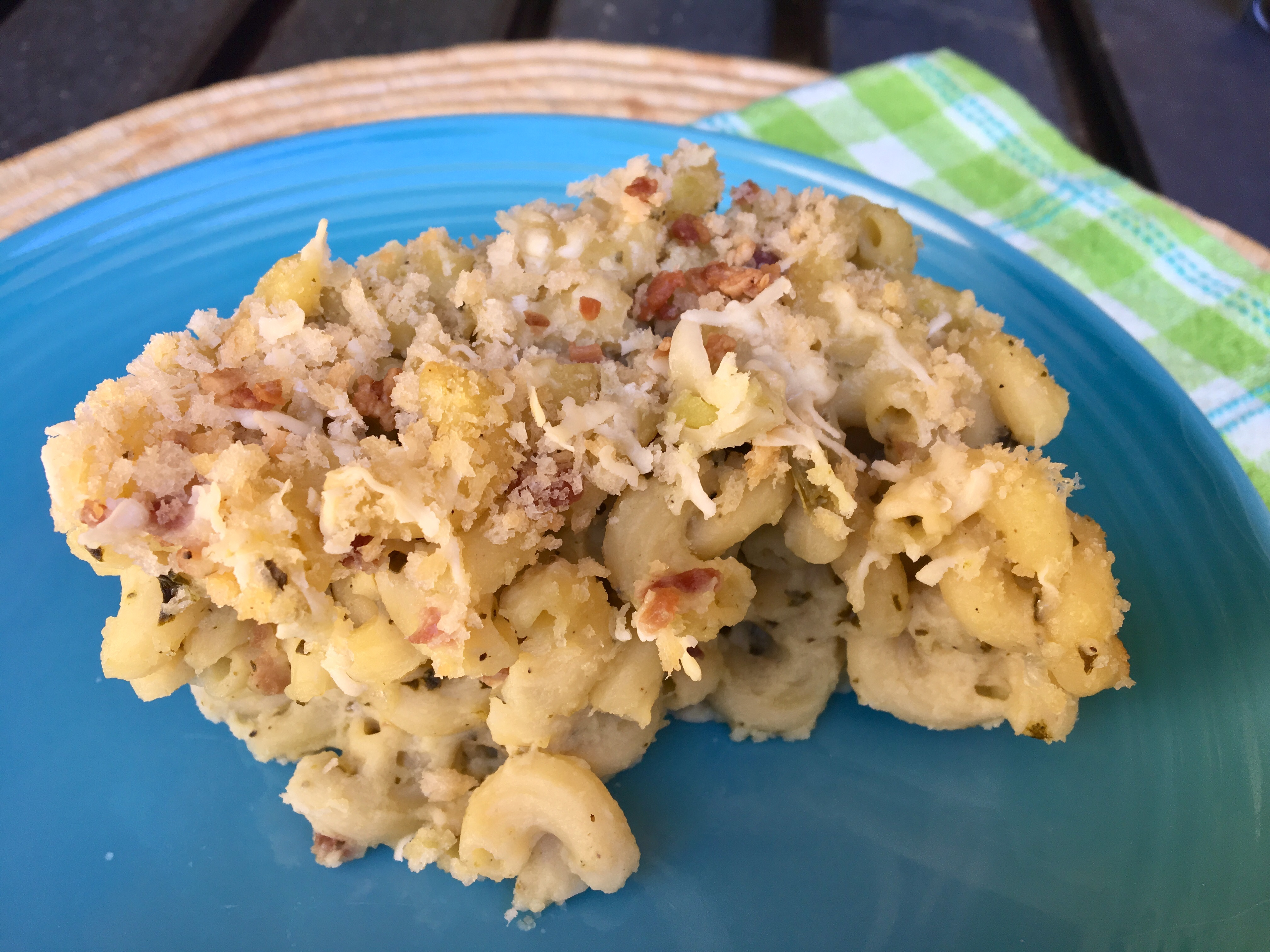 Bacon White Cheddar Pesto Mac and Cheese Staci