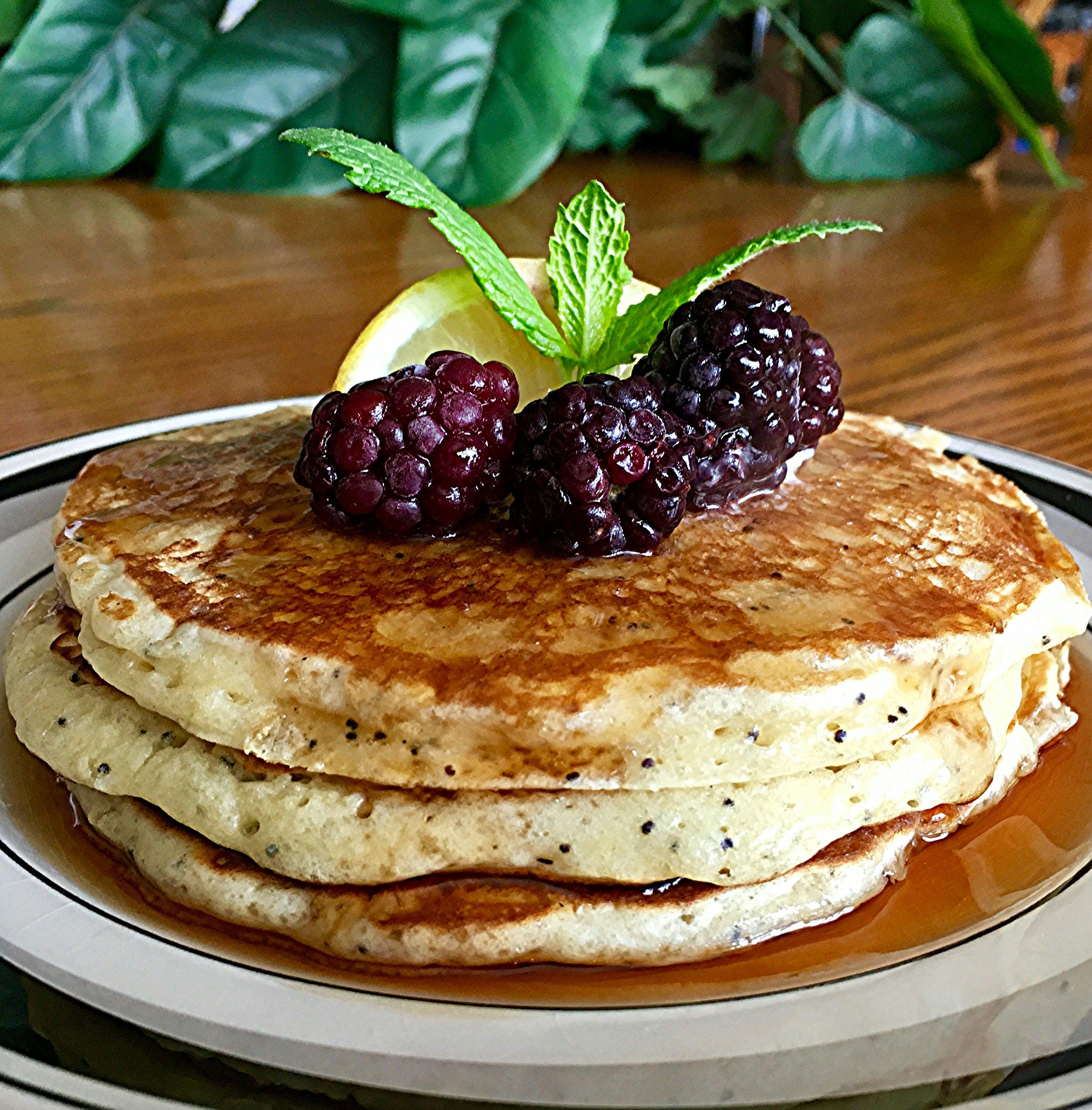 Sunday Morning Lemon Poppy Seed Pancakes Yoly