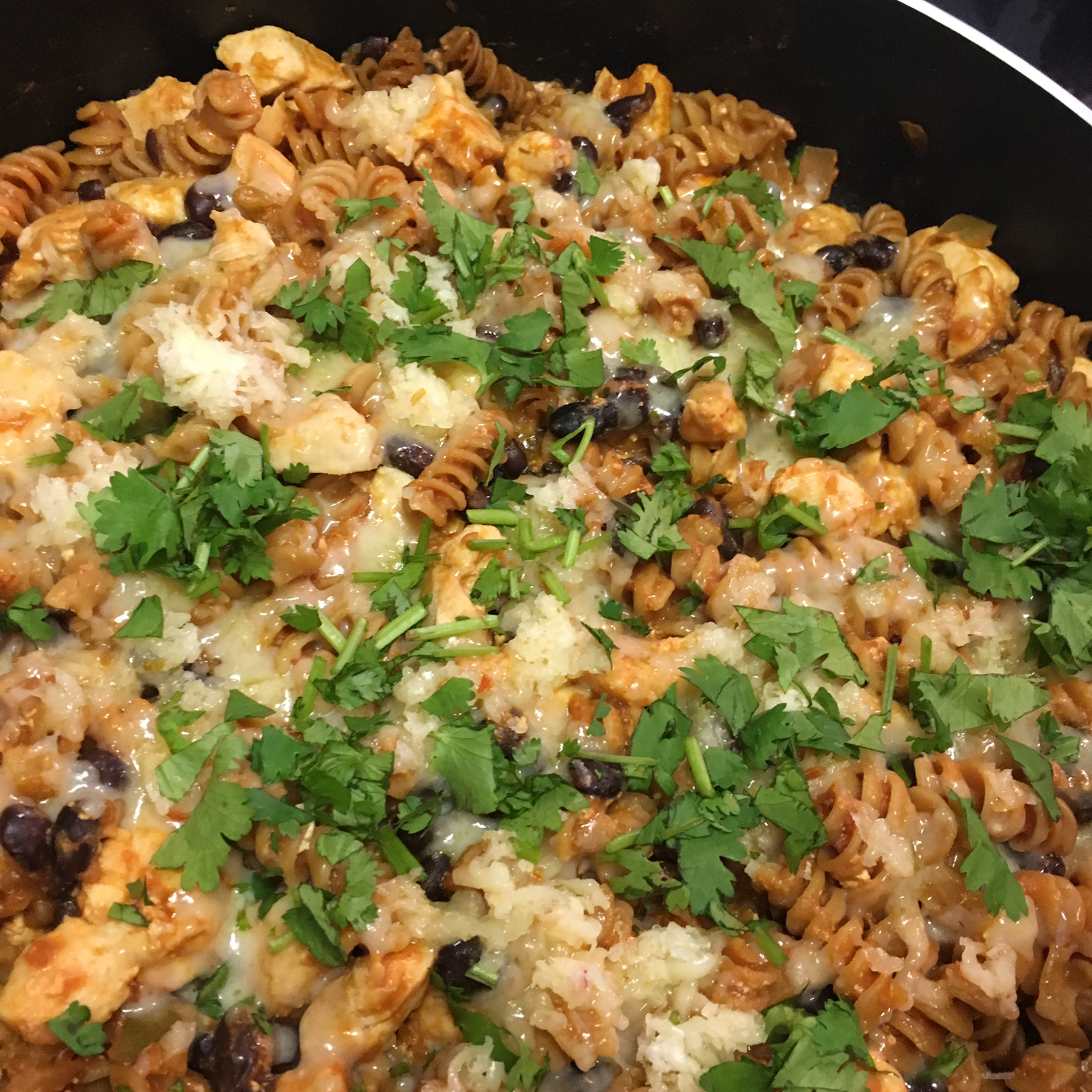 Cheesy Chicken Enchilada Pasta apk979