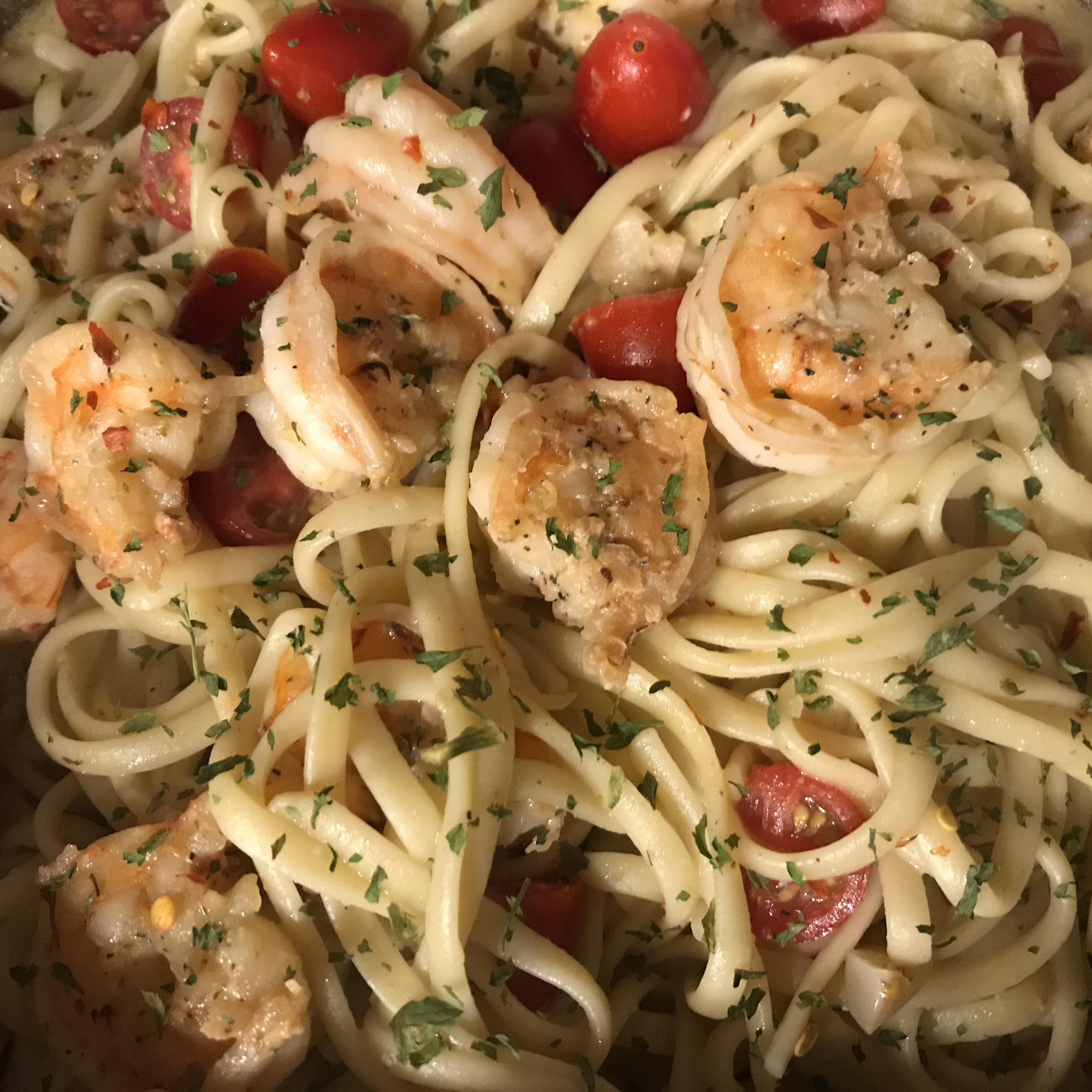Garlic Shrimp Pasta image