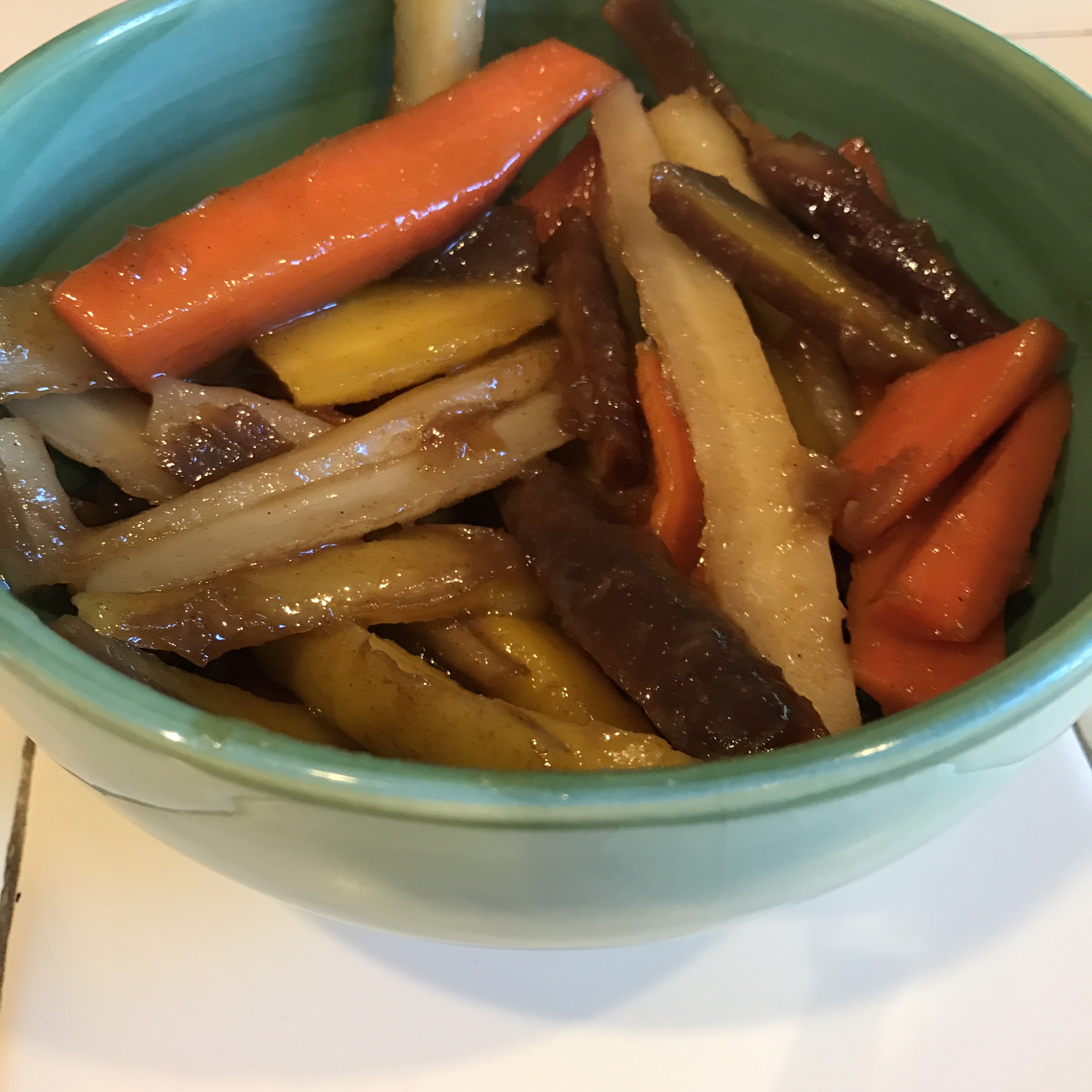 FROGHOPPER's Candied Ginger Carrots char
