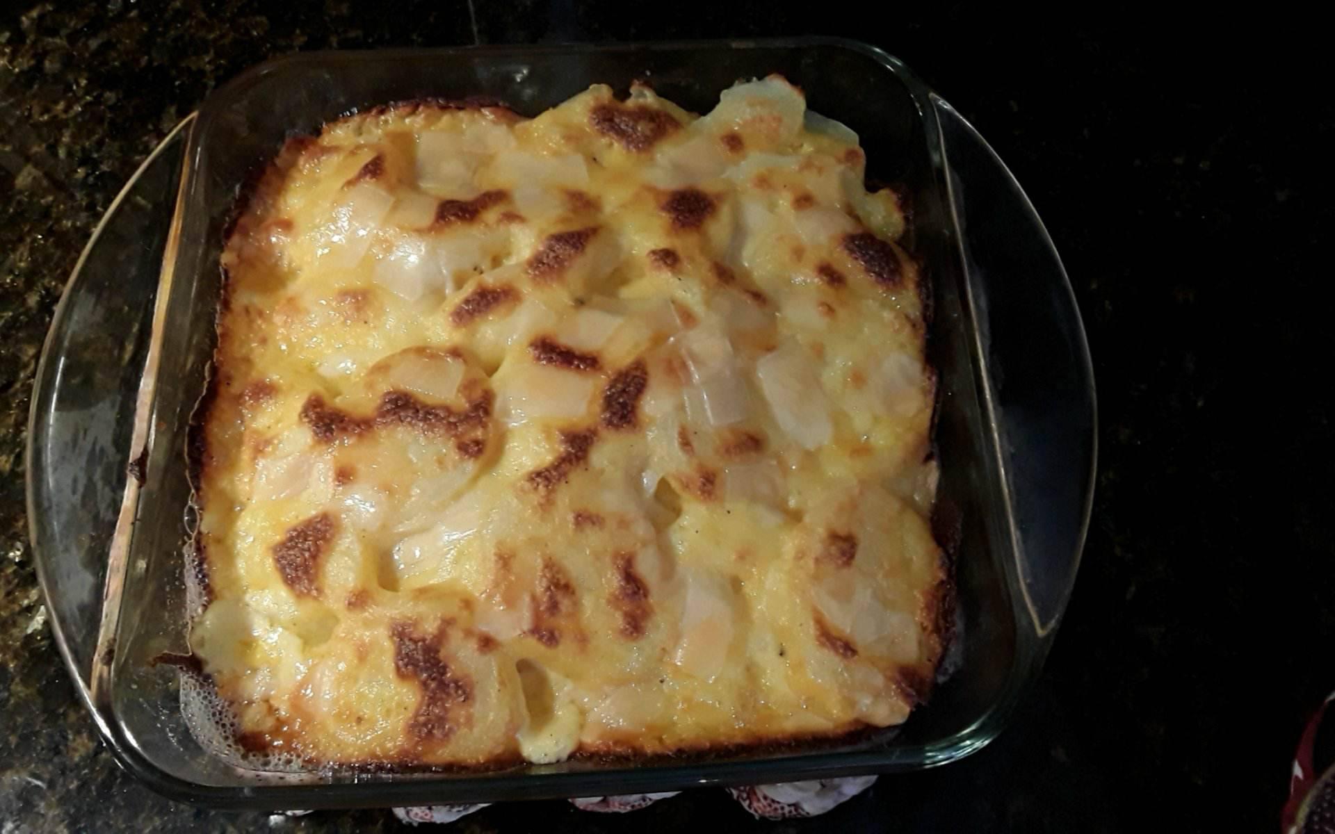 Parmesan-Crusted Au Gratin Potatoes and Onion WNC Chip