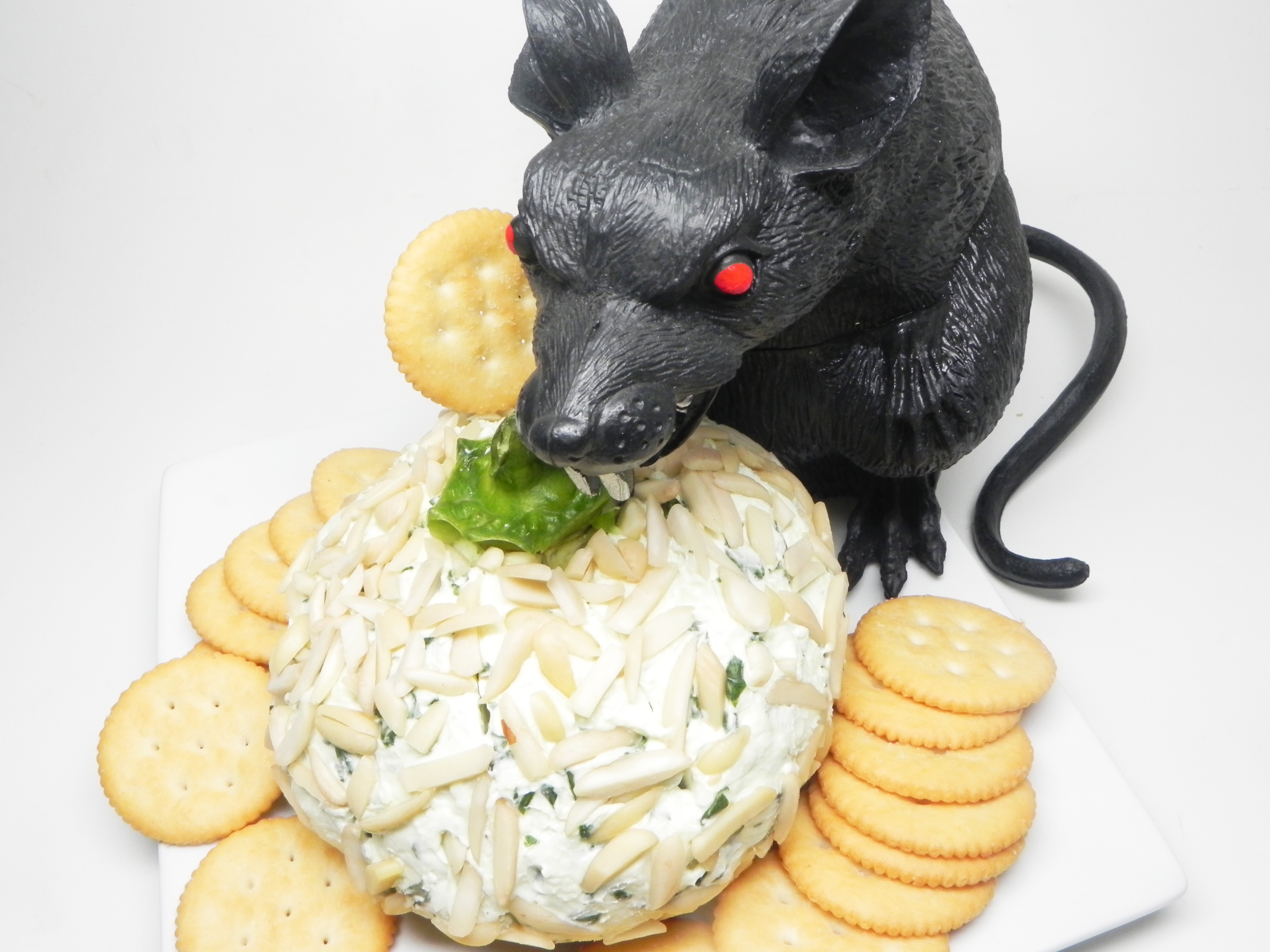 Spinach and Gorgonzola Cheese Ball
