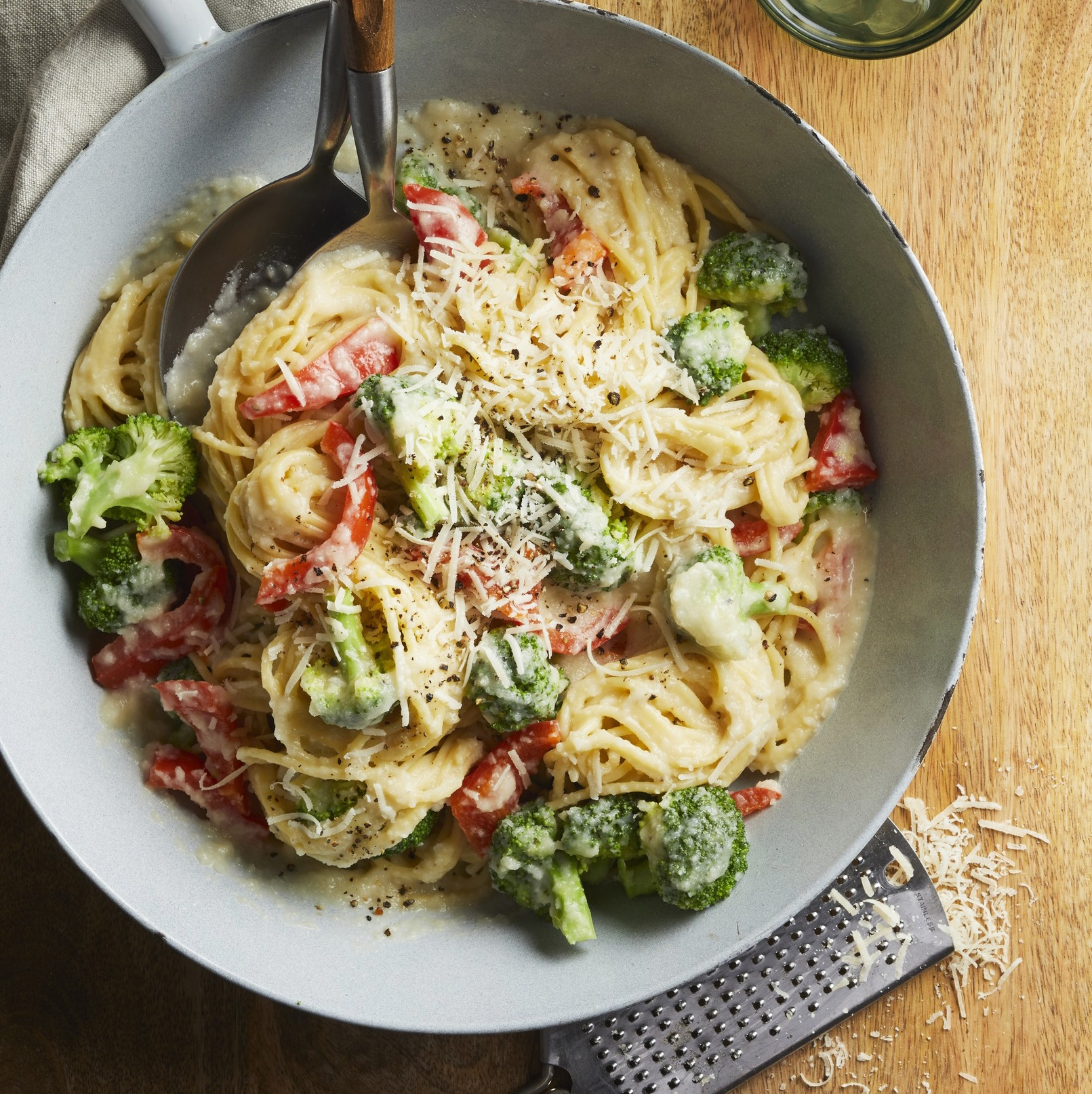 Pasta Primavera with Cauliflower Sauce