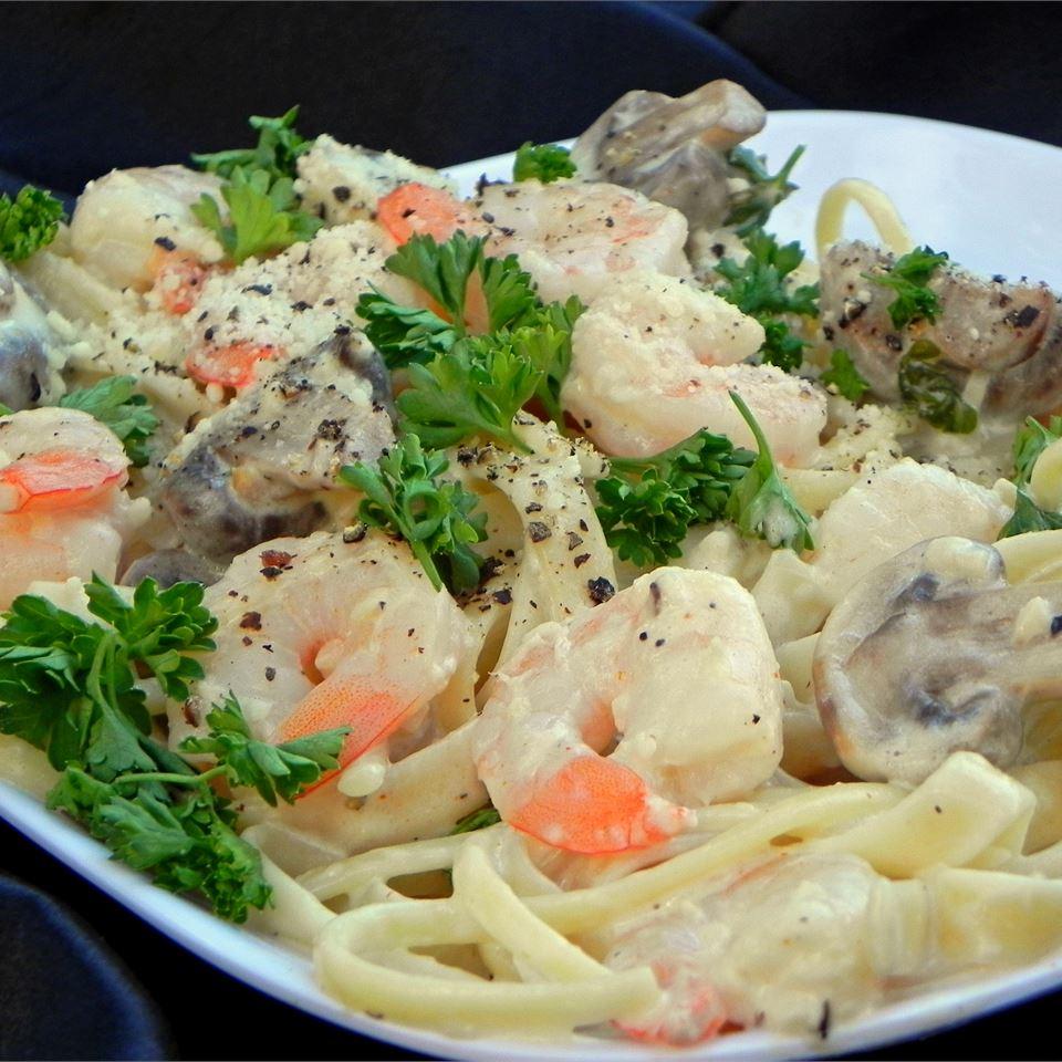 Shrimp Fettuccine Alfredo_image