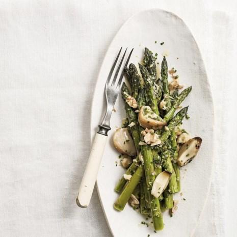 Roasted Garlic & Asparagus Salad
