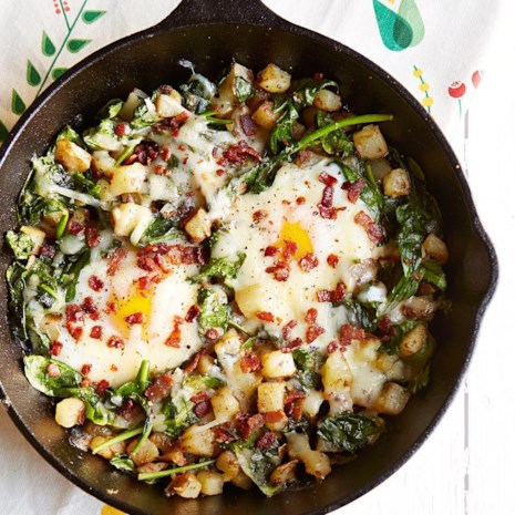 Spinach & Cheese Breakfast Skillet