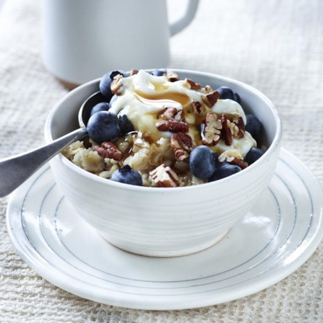 Creamy Blueberry-Pecan Oatmeal