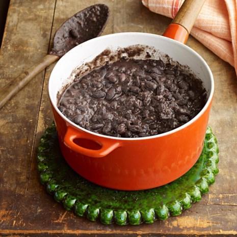 Mexican Black Beans (Frijoles Negros con Hoja de Aguacate)