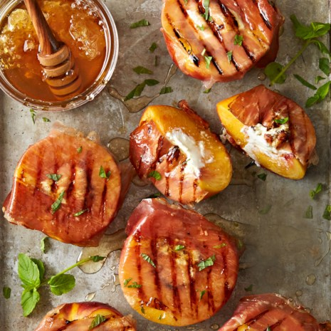 Grilled Prosciutto Peaches