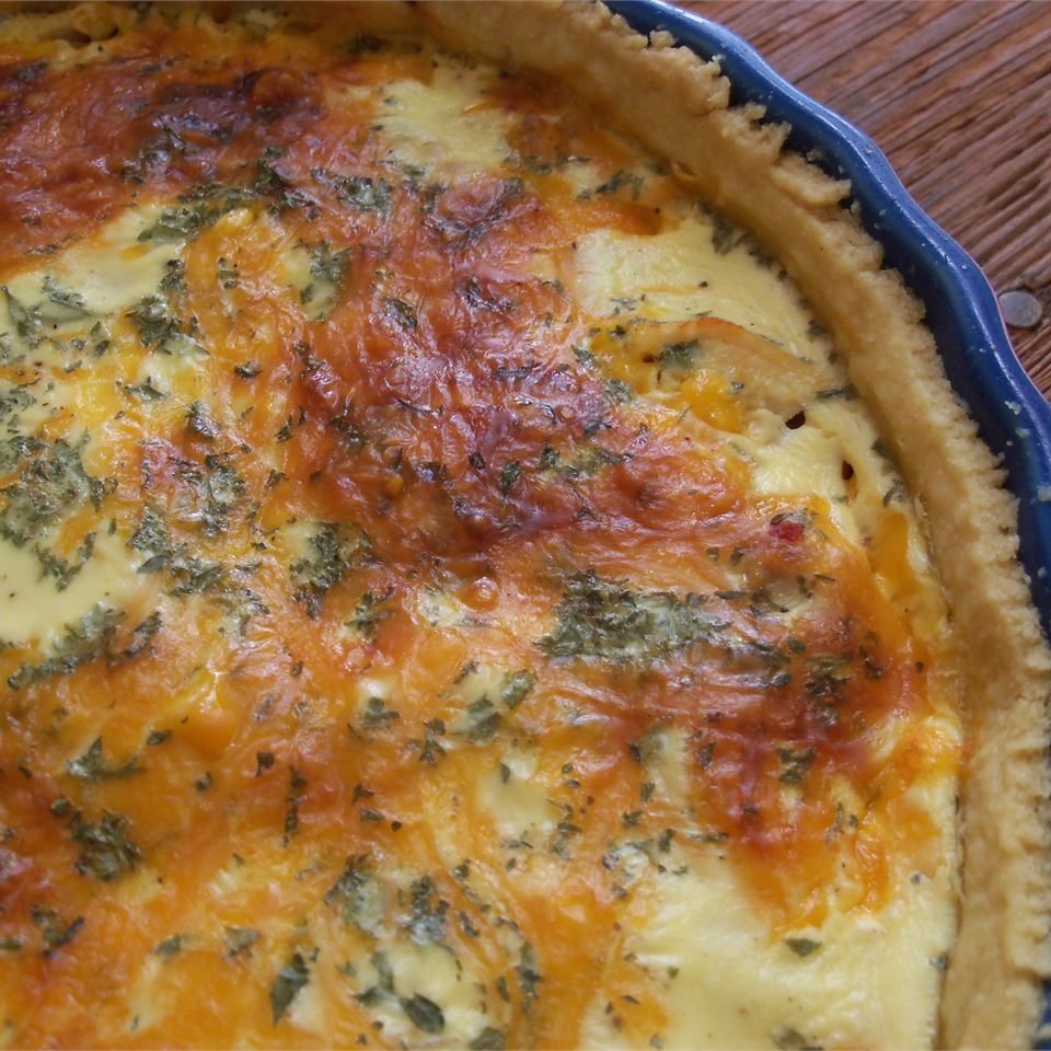 Easy Sour Cream Chicken Quiche KATKRO