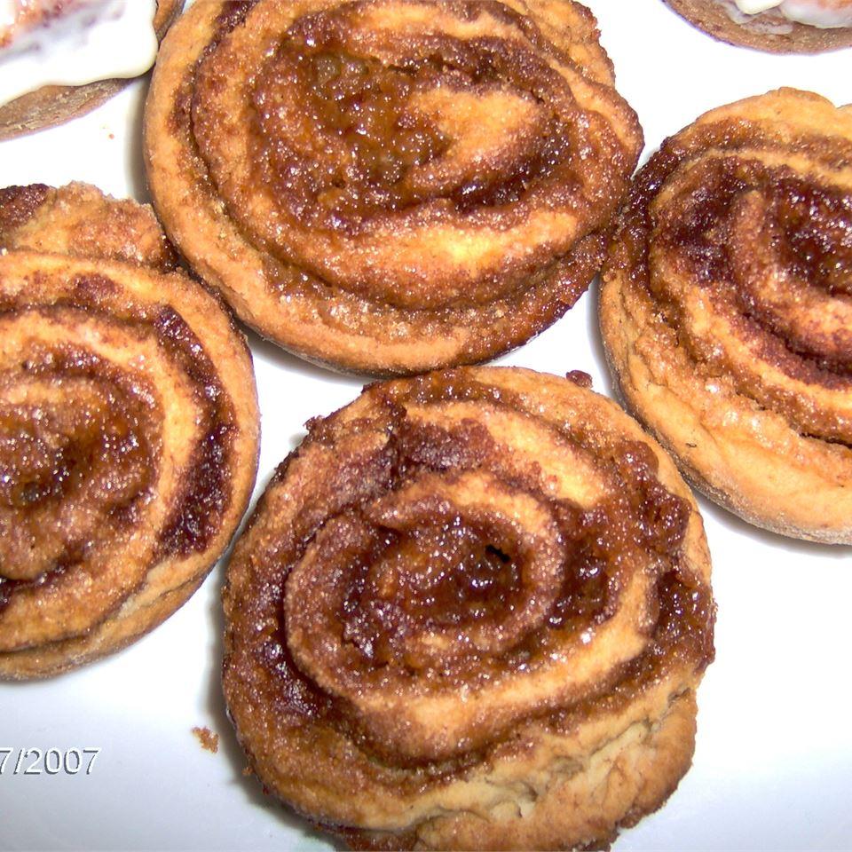 Cinnamon Raisin Pinwheels
