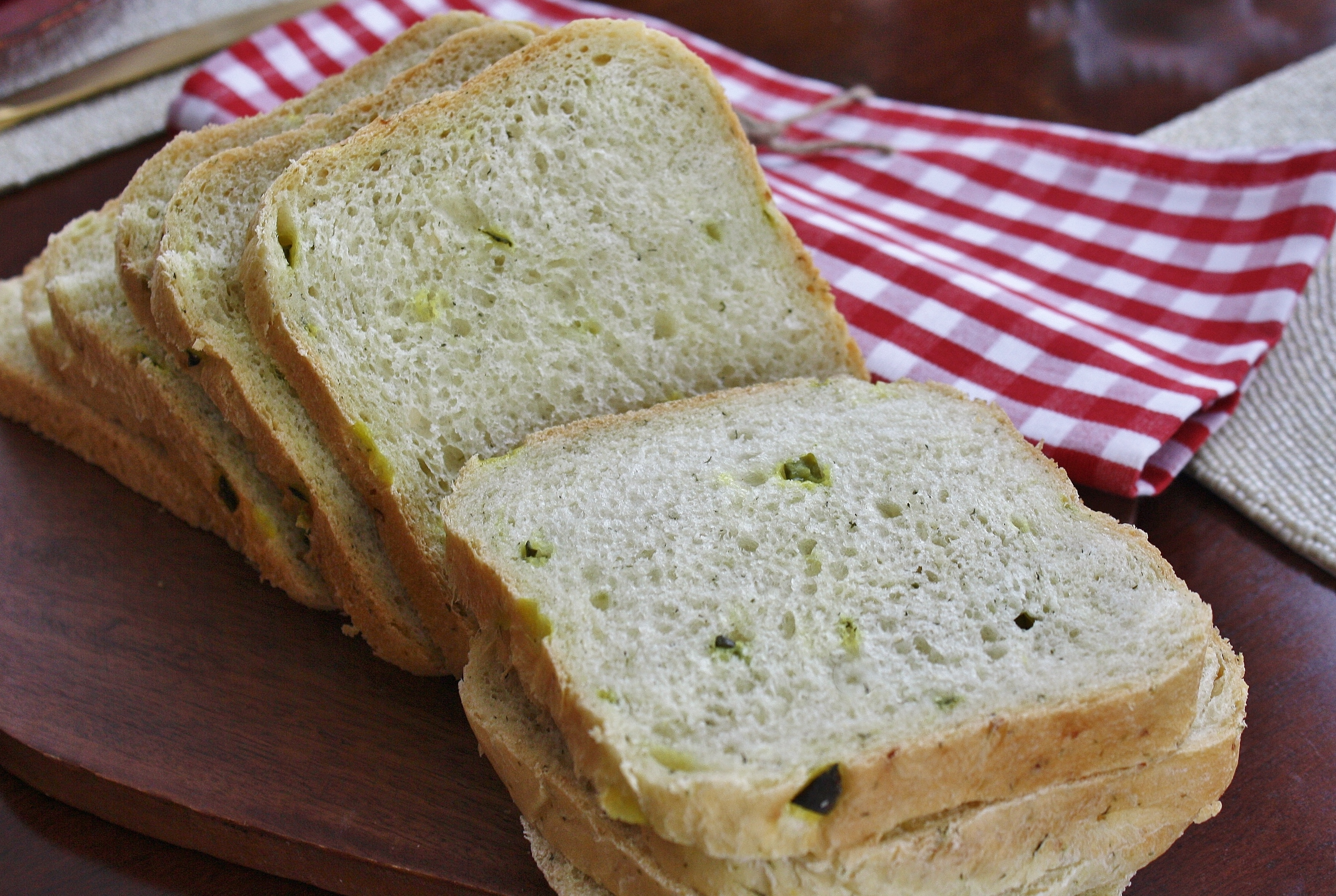 Dill Pickle Bread Tony