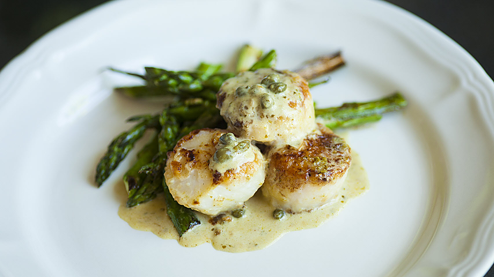 Scallops with Pesto Cream Sauce