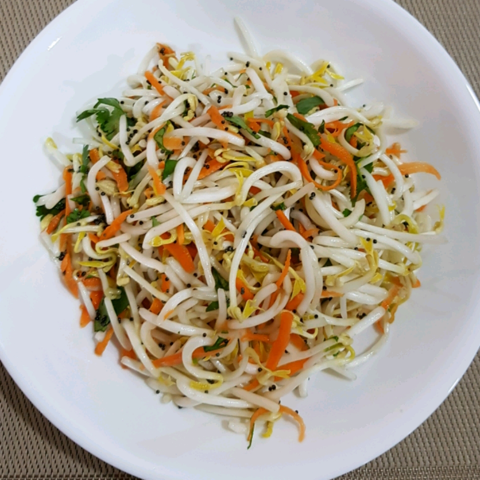 Carrot-Bean Sprouts Salad