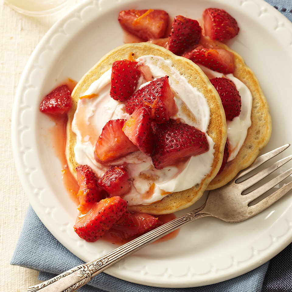 These strawberry pancakes are a healthy alternative to traditional breakfast pancakes. With ingredients like chia seeds, oat flour and fresh strawberries, they offer nutritious benefits without sacrificing taste.