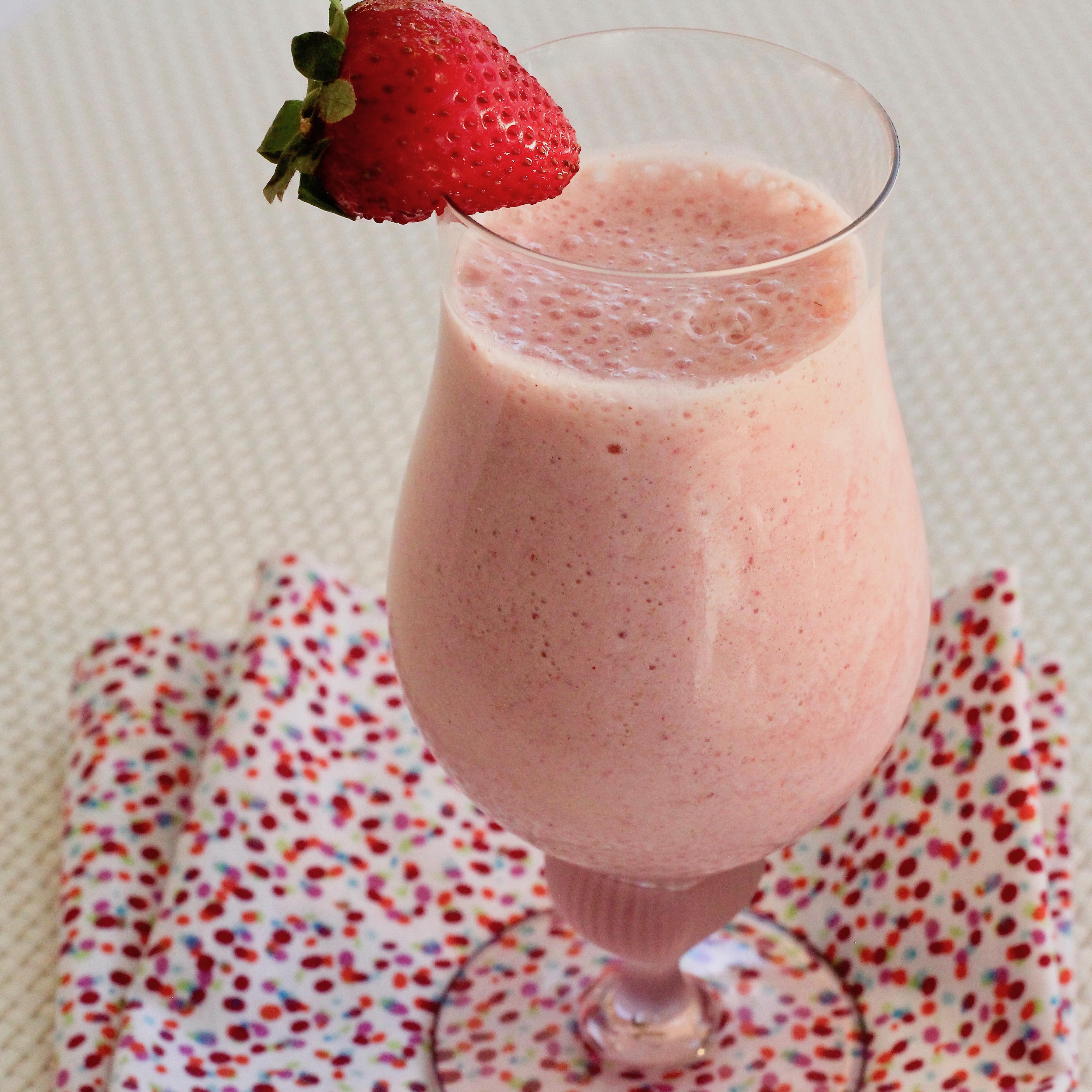 Delicious Healthy Strawberry Shake