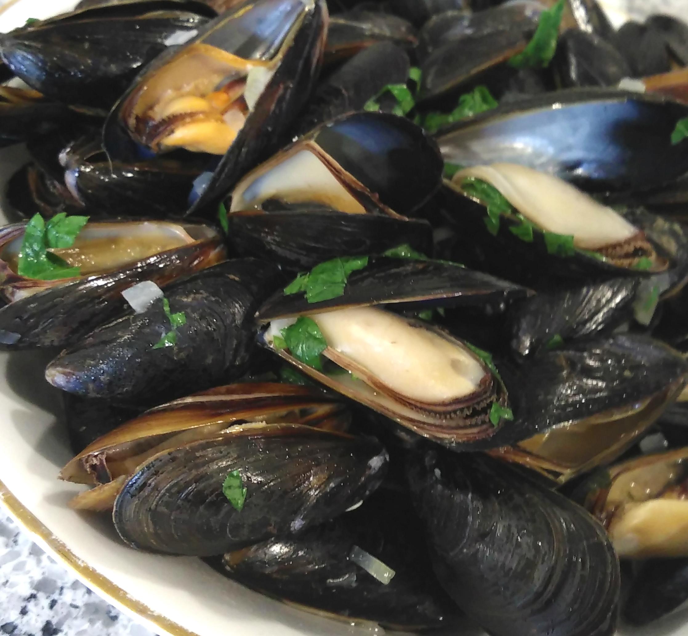 Mussels Mariniere Bren