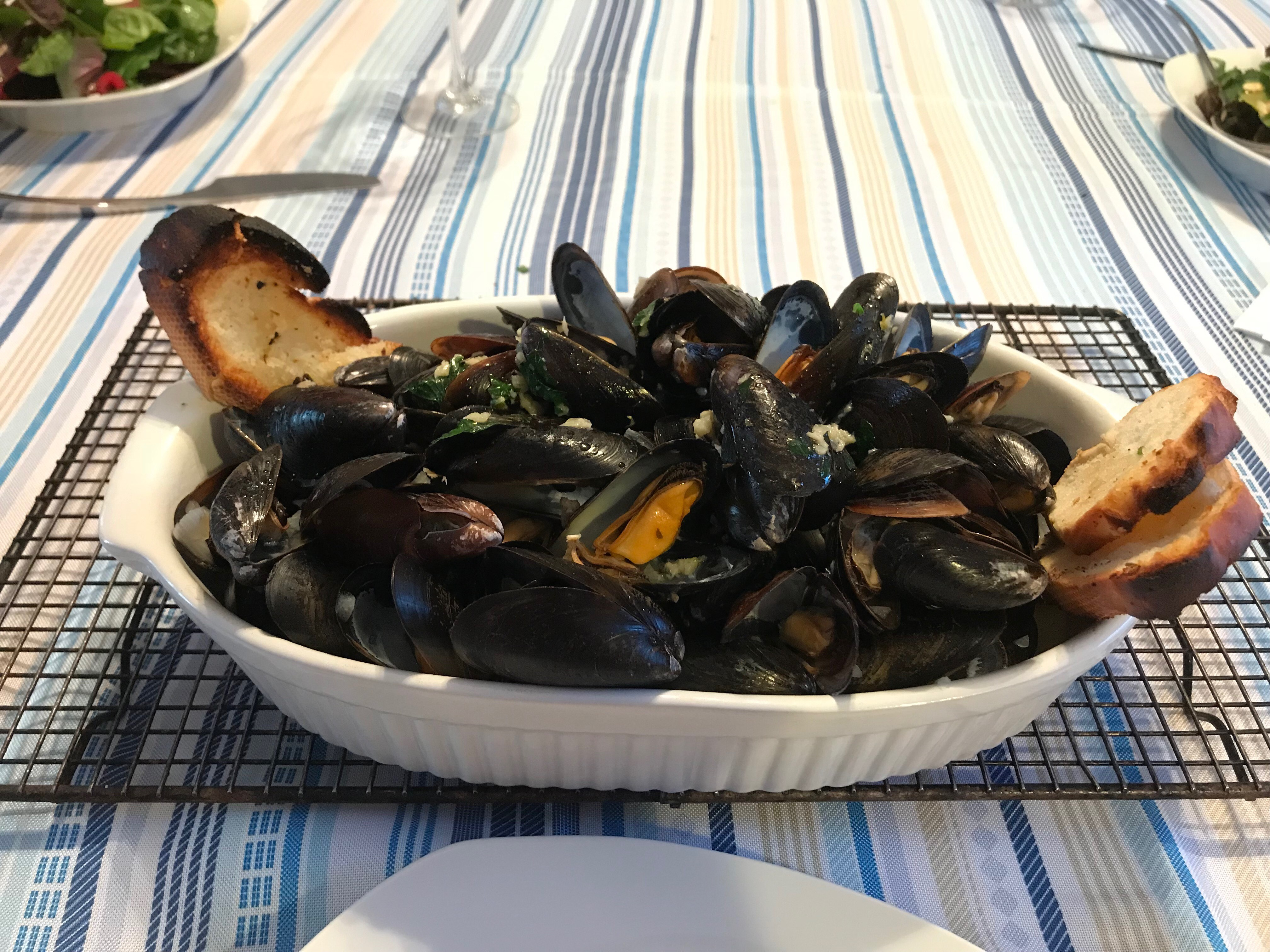 Wicked Good Mussels