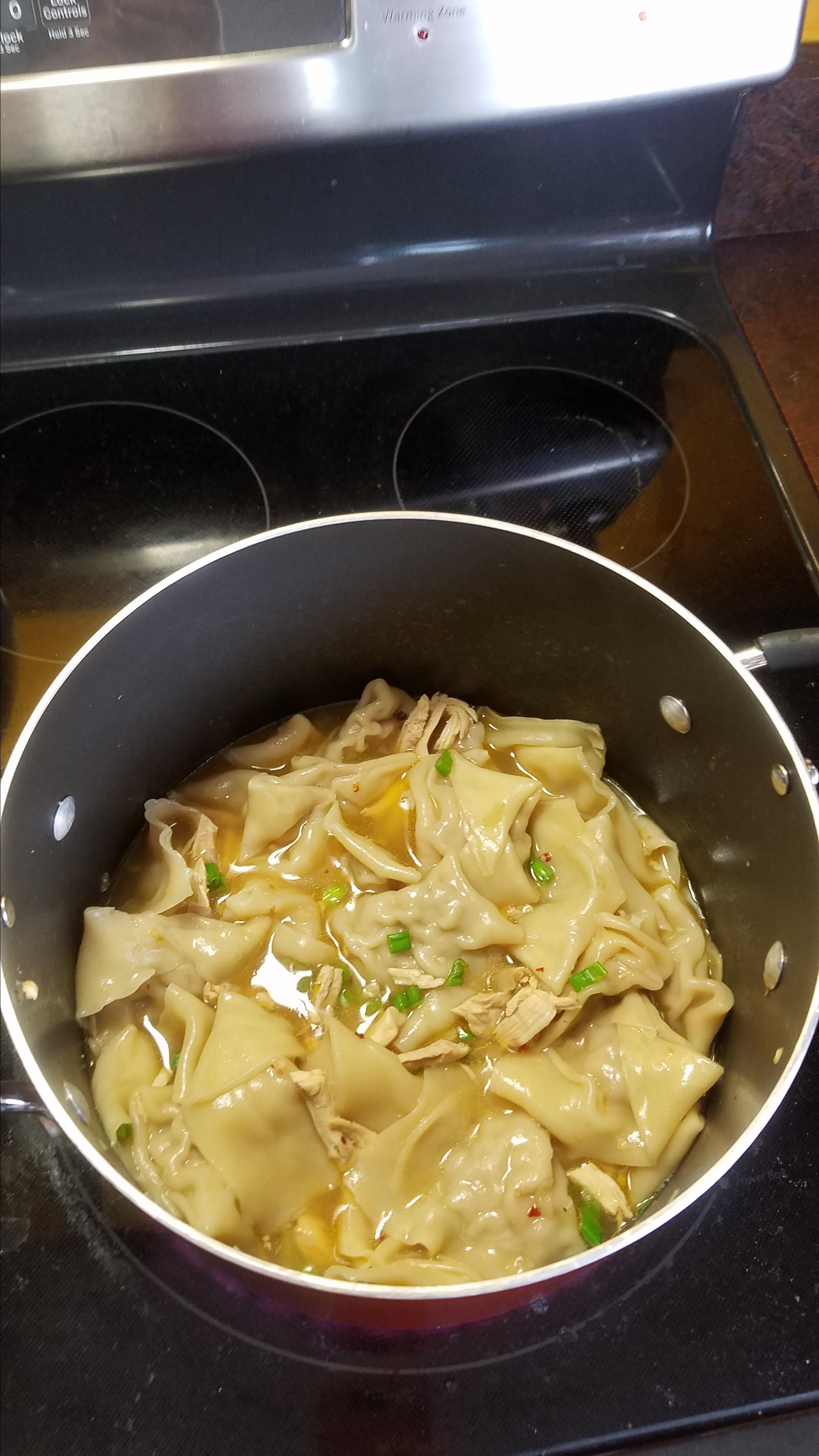 Pancit Molo (Filipino Wonton Soup) lola