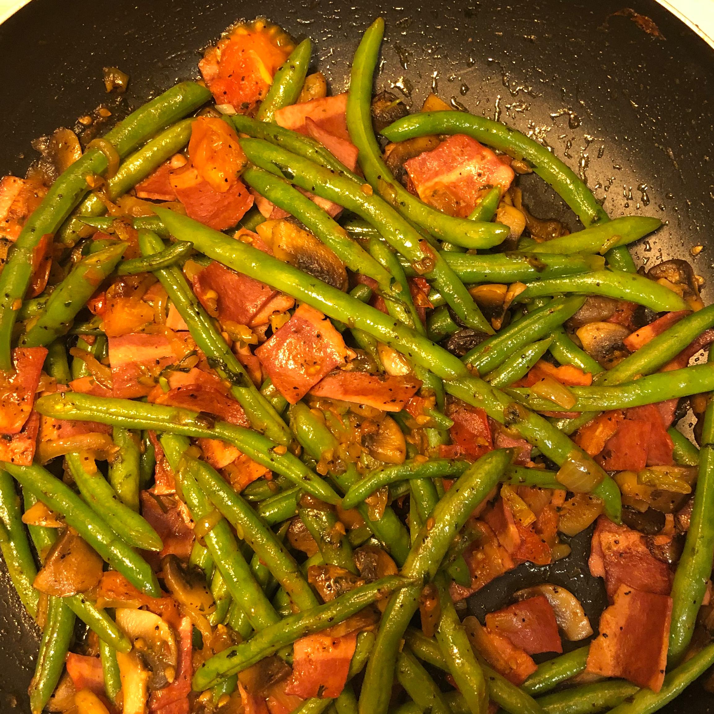 Mushroom and Bacon Green Beans naiomi