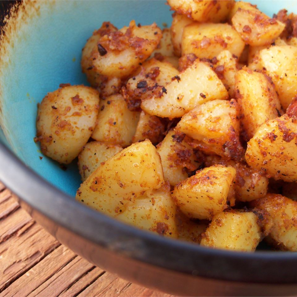 Easy Spicy Roasted Potatoes