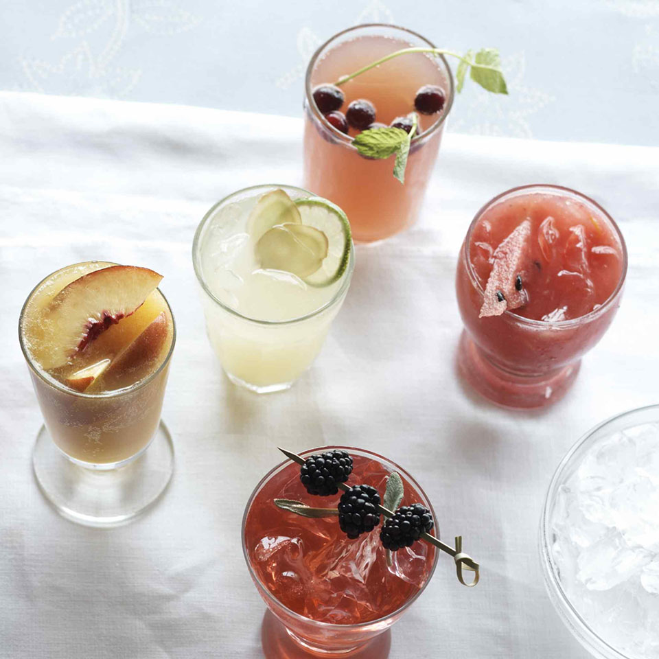 This refreshing drink is a non-alcoholic sangria. Ginger ale and grape juice take the place of wine, and are mixed with ice and delicious fruits.