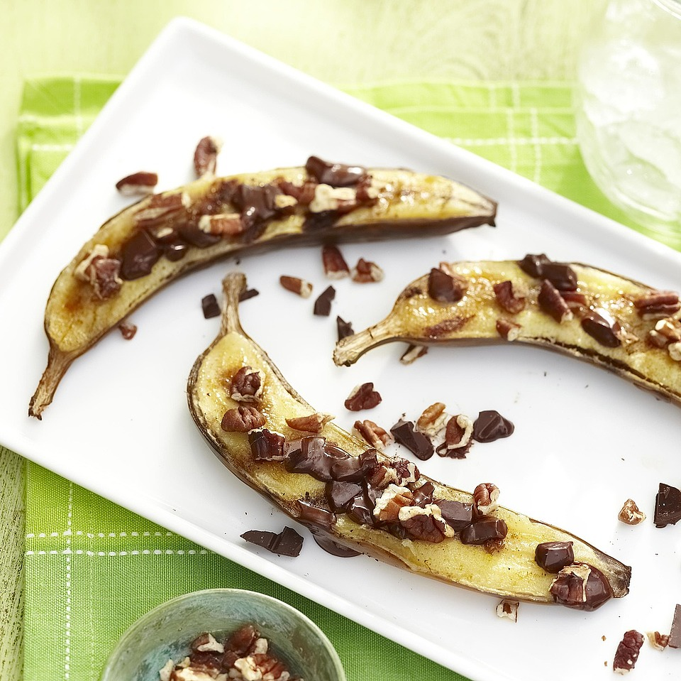 Grilled Cinnamon-Sugar Banana Boats with Dark Chocolate and Pecans Diabetic Living Magazine