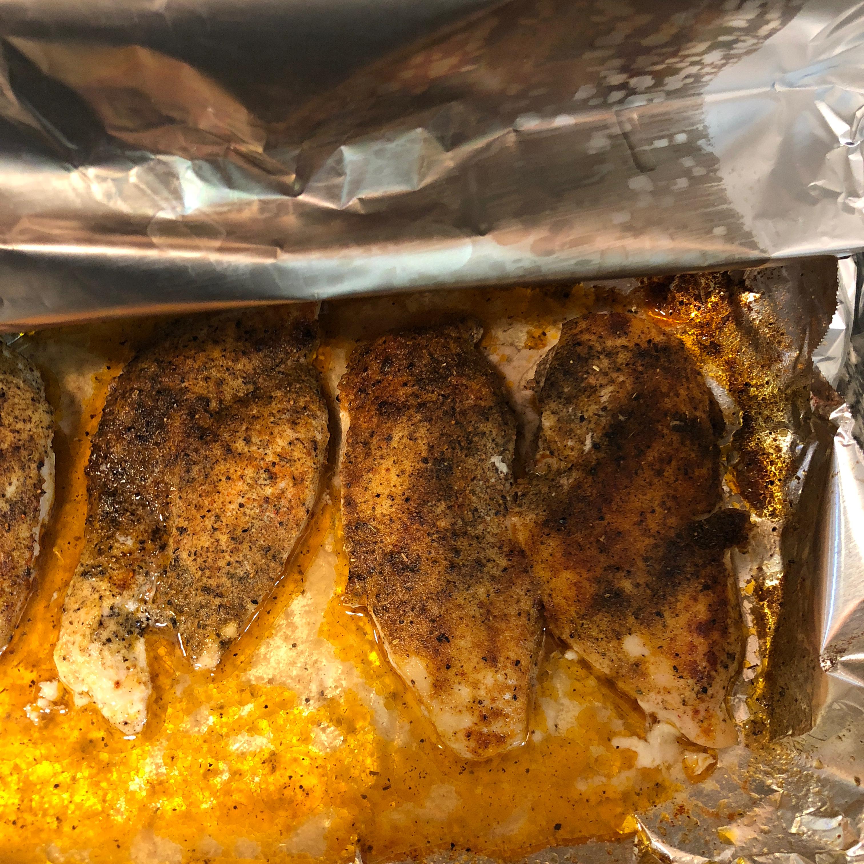 Three-Ingredient Baked Chicken Breasts keleeke