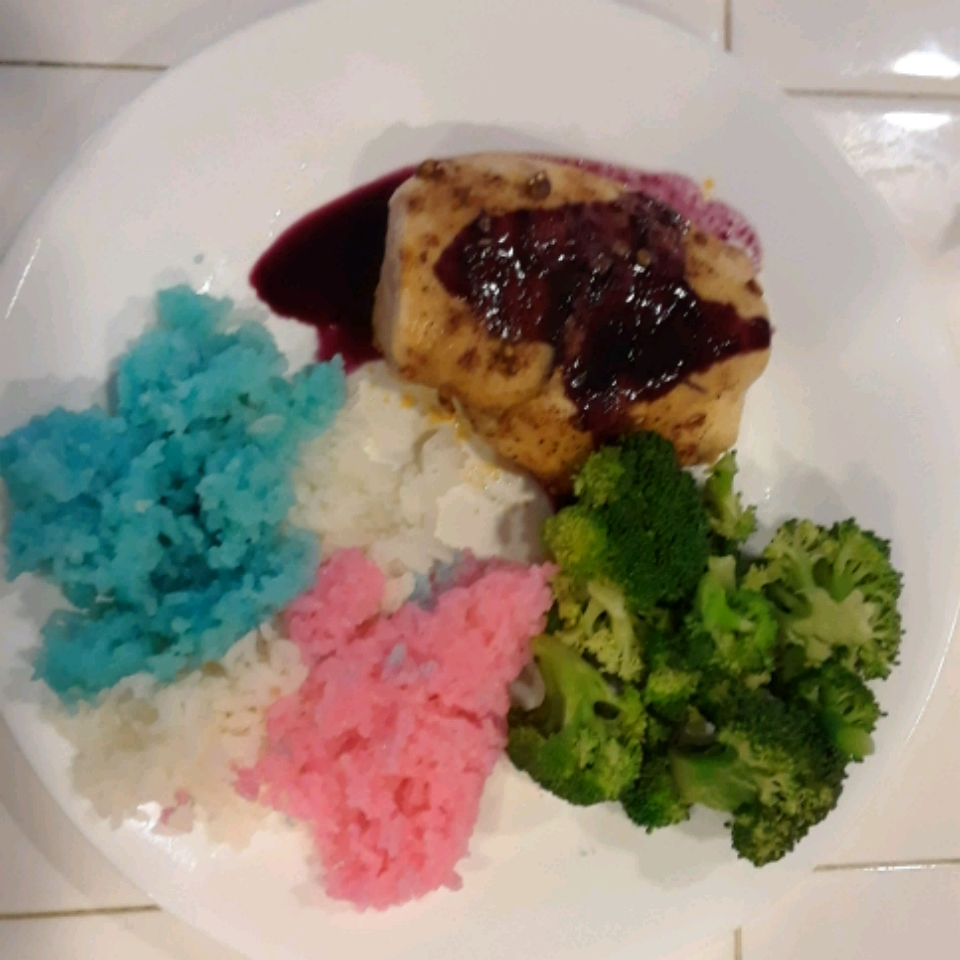 Red, White, and Blueberry Grilled Chicken Gina