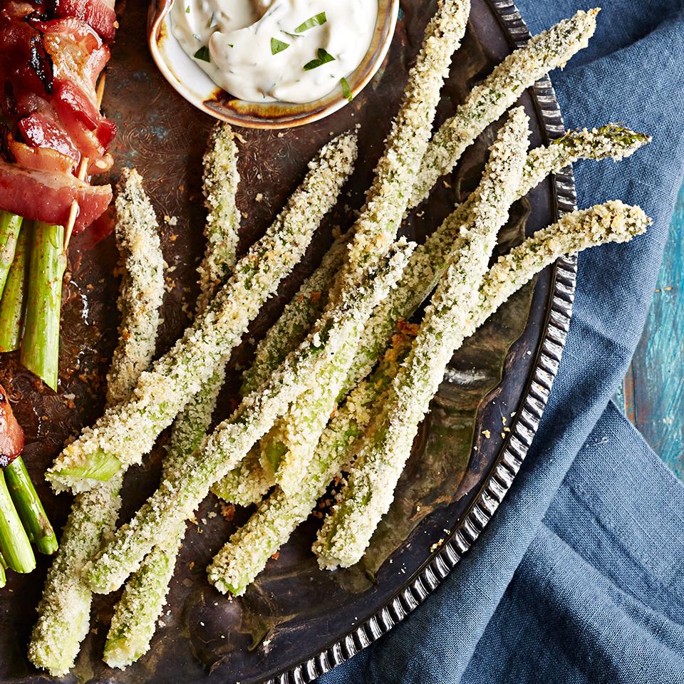 Panko & Parmesan-Crusted Asparagus with Garlic-Mayo Dipping Sauce Diabetic Living Magazine