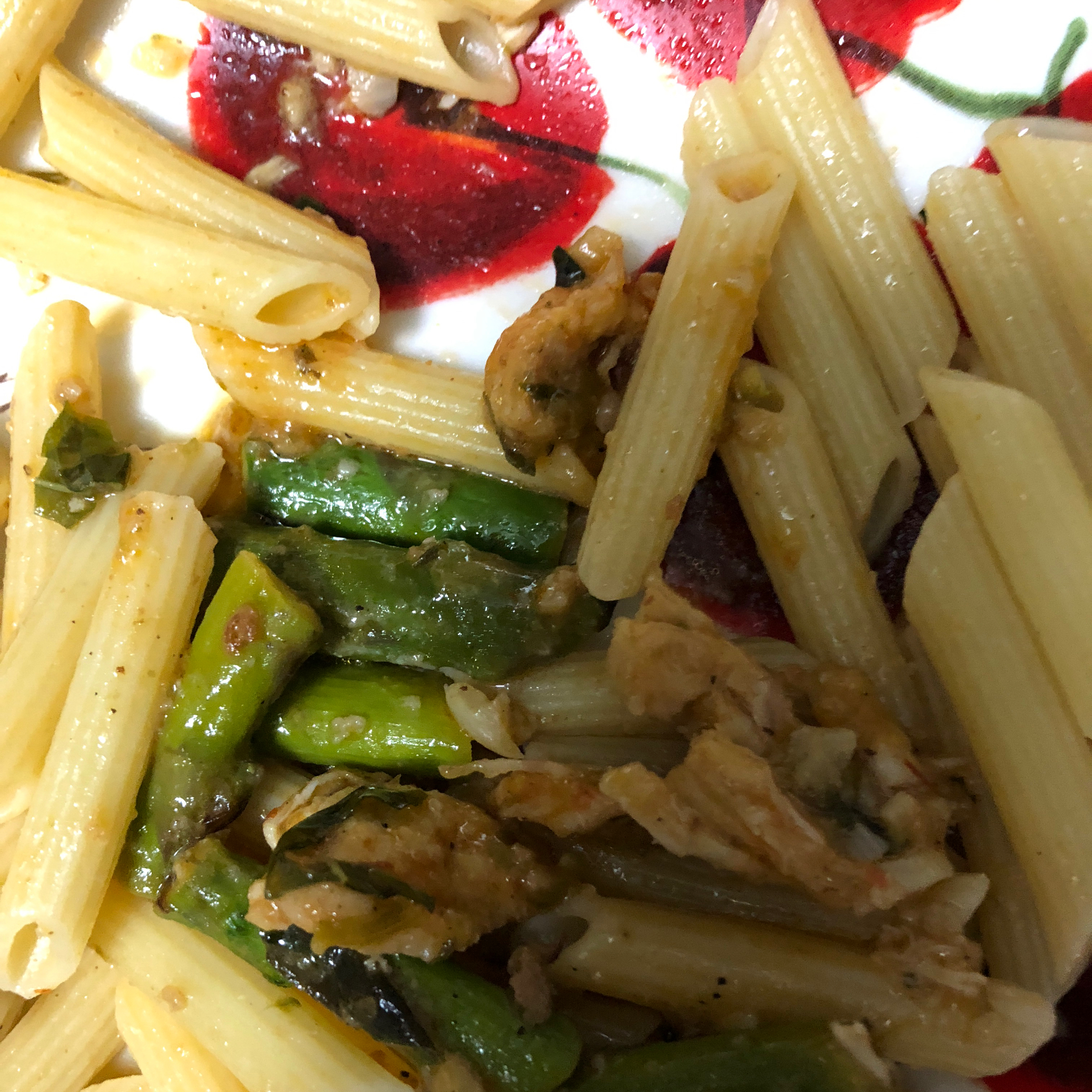 Asparagus, Chicken, and Pecan Pasta leslie
