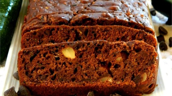 Photo of Chocolate Chip Zucchini Bread by colagal