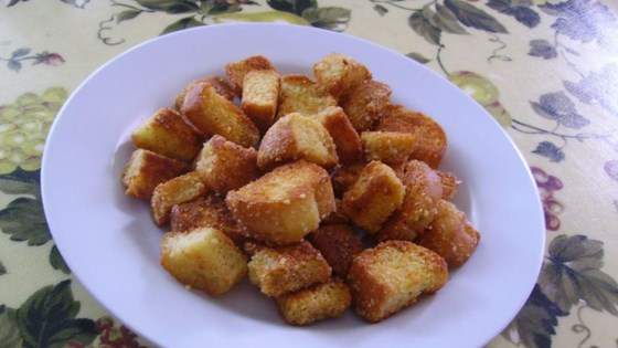 Photo of BEST Garlic Parmesan Croutons by kbracken