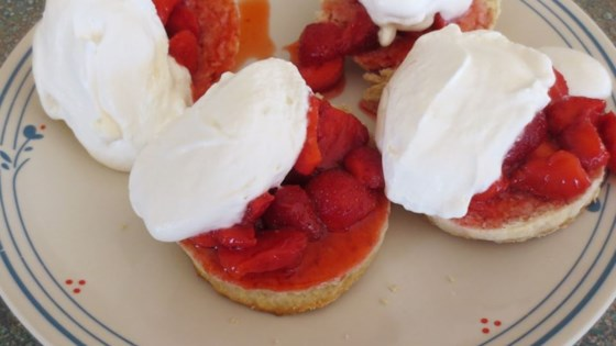 Photo of Fresh Strawberry Lemon Shortcake by fioremarie