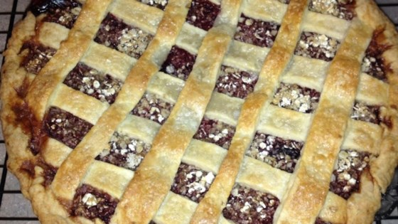 Photo of Poppin' Jalapeno Blackberry Pie by joderita