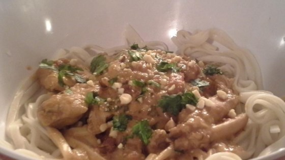Photo of Slow Cooker Chicken Pad Thai by Stephanie Huber