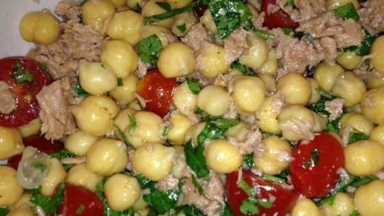 Photo of Chickpea Tuna Salad by cristianelima