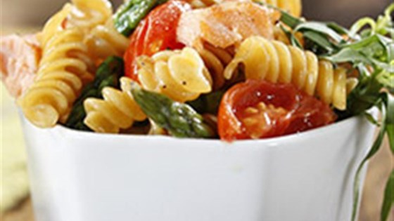 Rotini with Asparagus, Salmon and Cherry Tomatoes