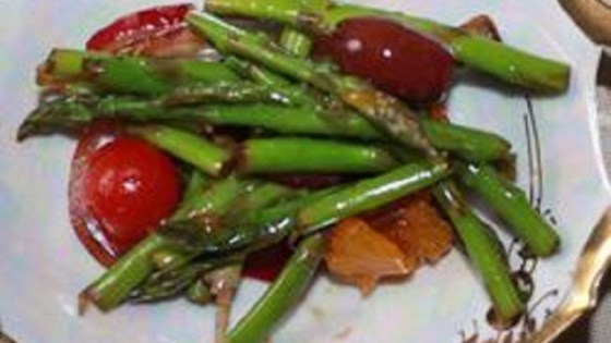 Photo of Asparagus and Mandarin Orange Salad by Julia Harbeck
